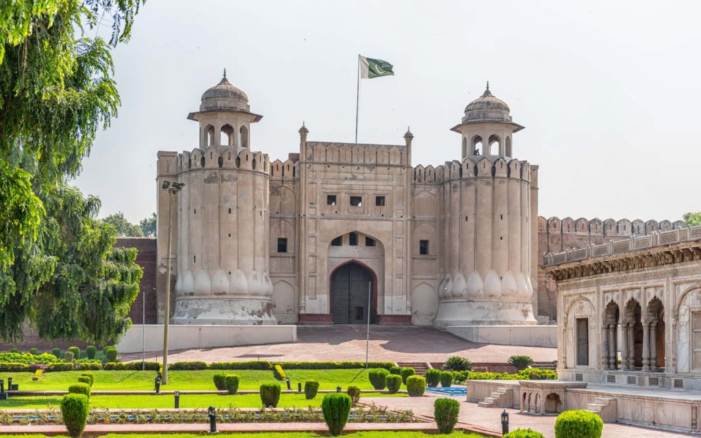 forts-in-pakistan-you-must-visit