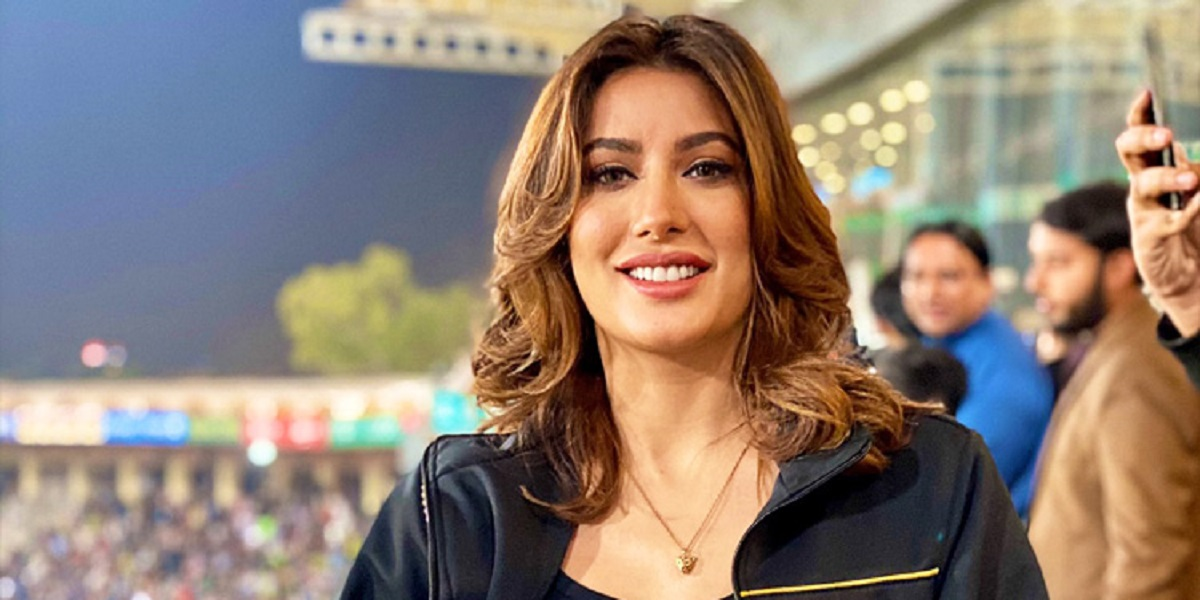 is-mehwish-hayat-going-to-join-pakistani-politics