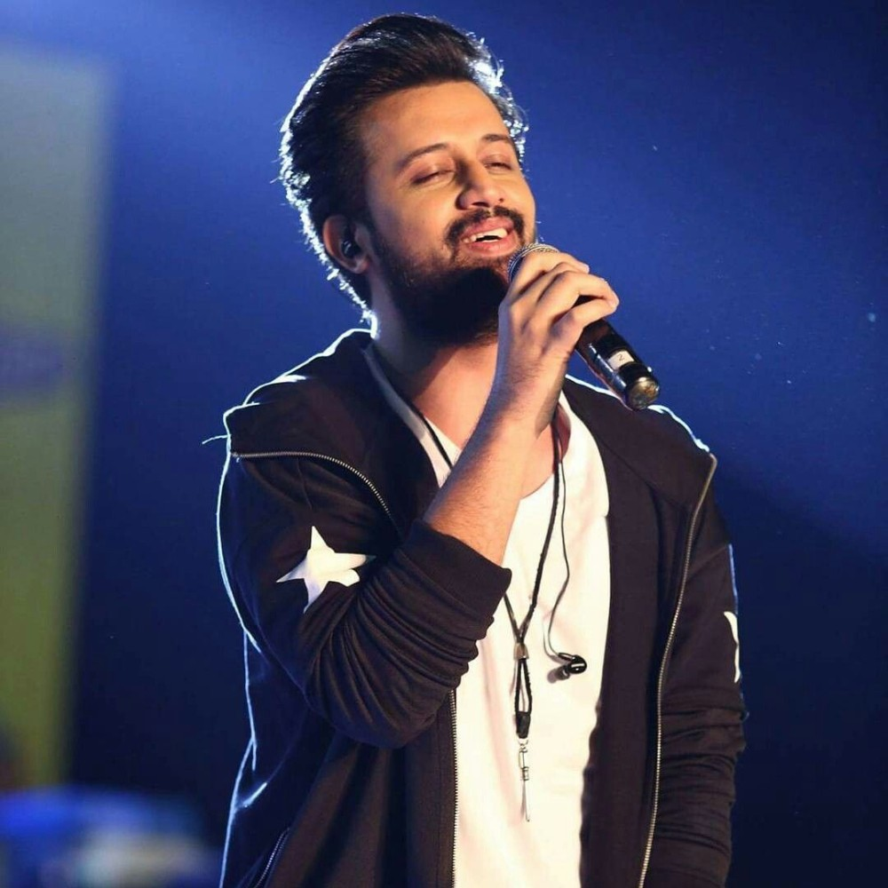 you-will-get-nostalgic-after-seeing-atif-aslam-with-neelam-muneer-in-an-old-ad