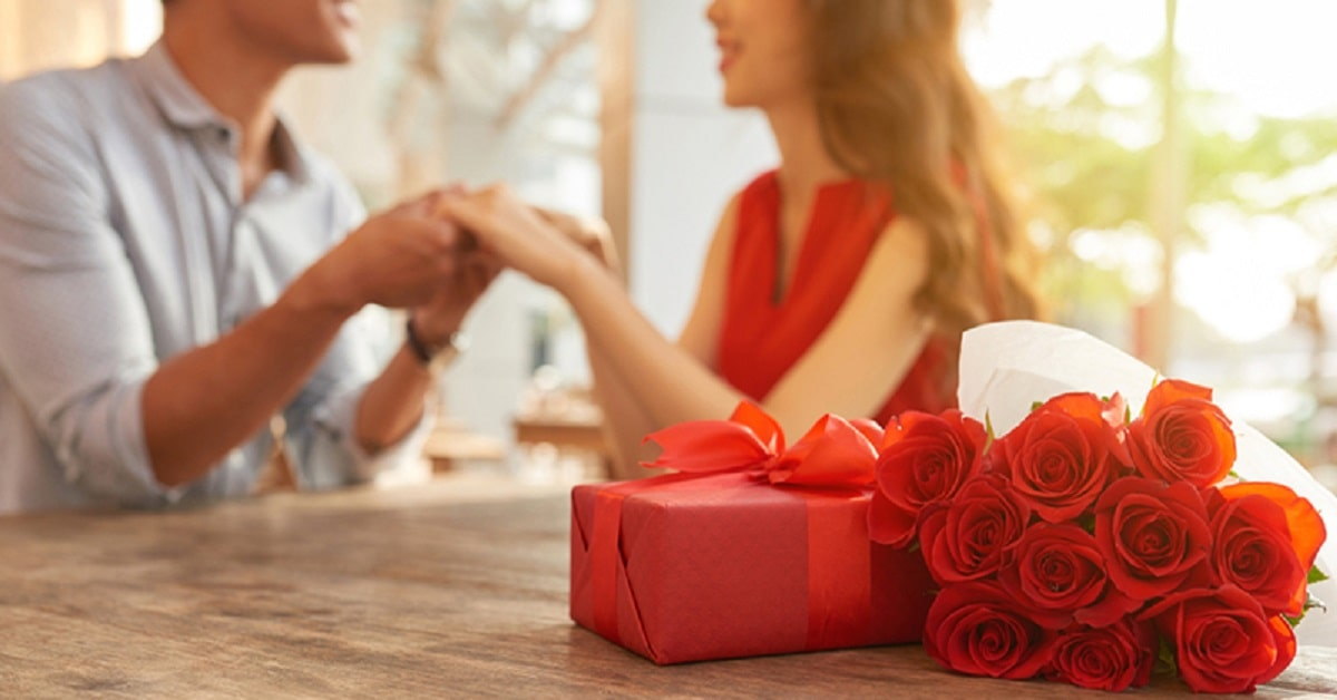 extraordinary-anniversary-gift-ideas-to-greet-your-spouse